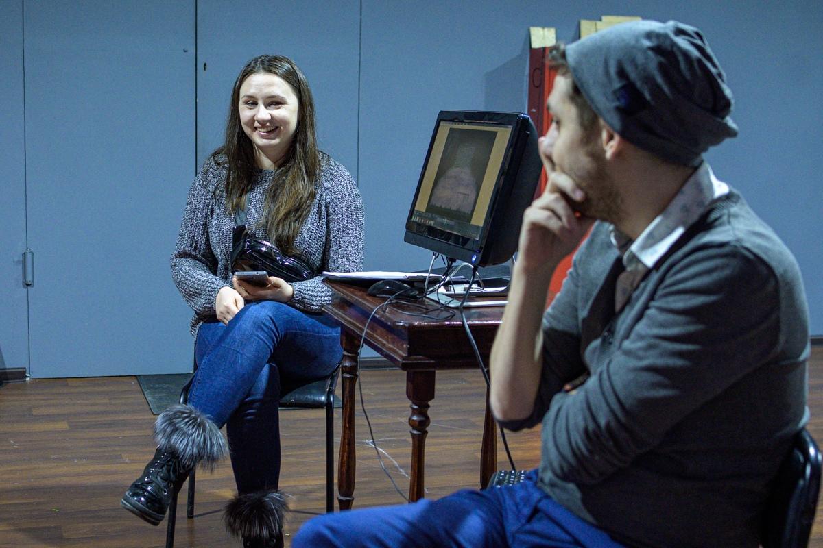 Интервью с Екатериной Угленко, художником нового спектакля «Летел и таял» 2-Pk17eyWQIak