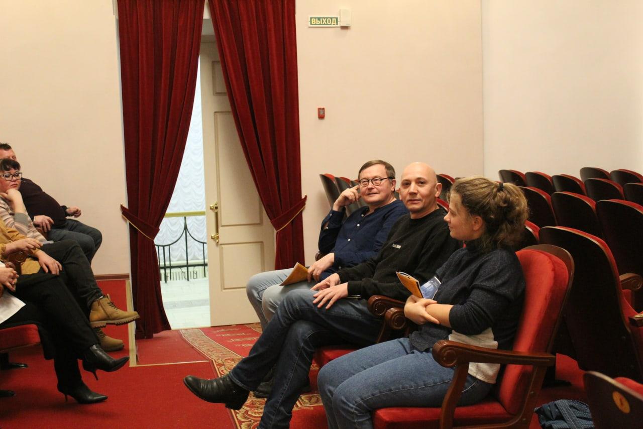 Премьеры 85-ого театрального сезона представили на суд критиков 4