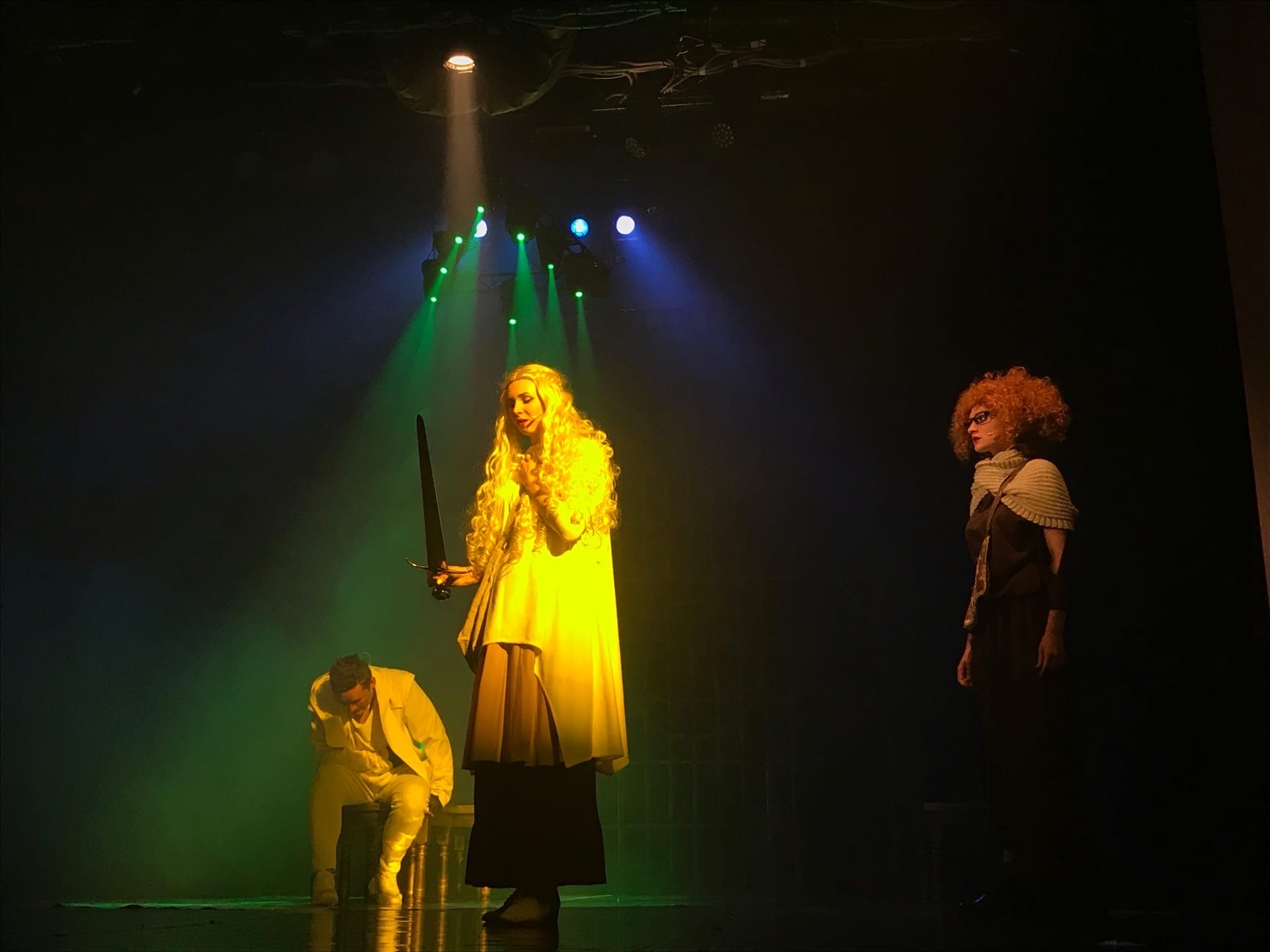 Тристан и Изольда громкая премьера в Ачинском драматическом театре1