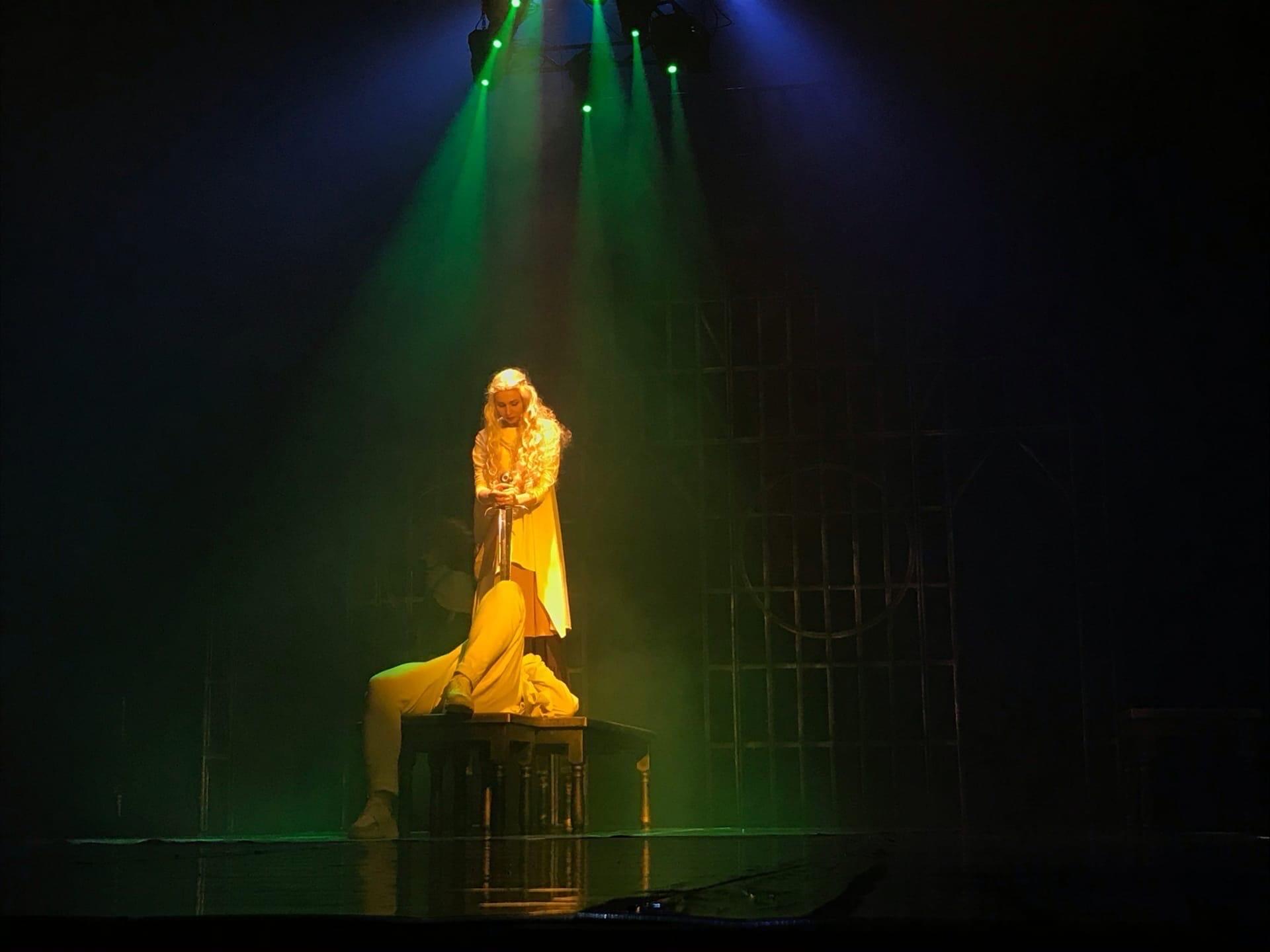 Тристан и Изольда громкая премьера в Ачинском драматическом театре2
