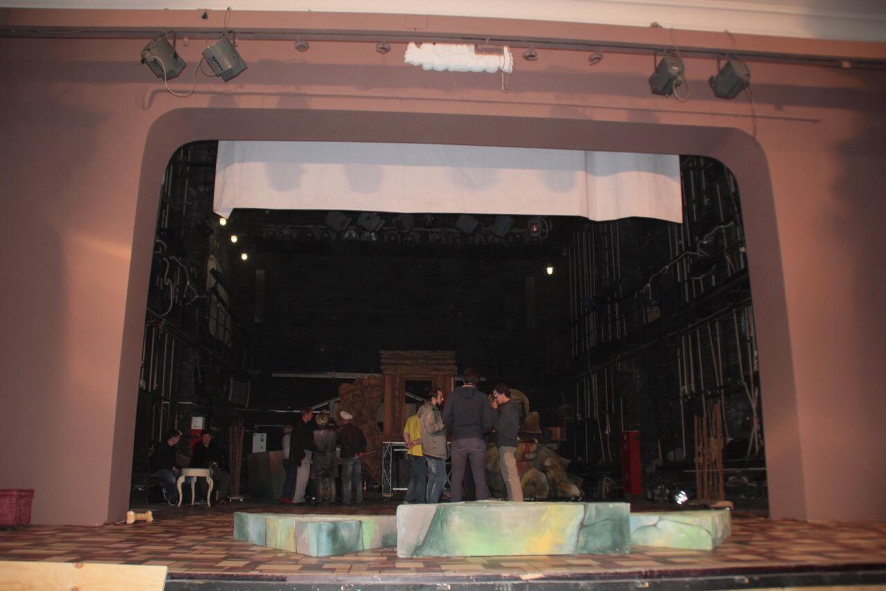 В Ачинской драме готовятся к необычной постановке Евгения Онегина (4)