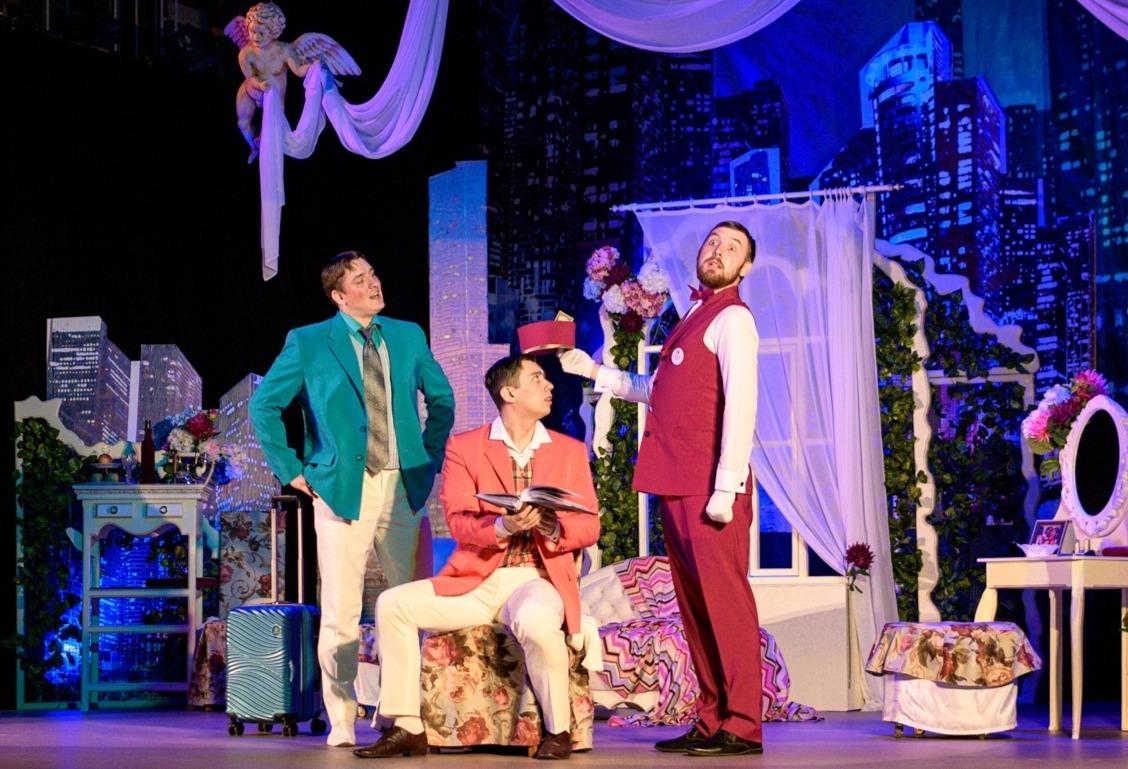 Ачинский драматический театр поздравляет с днём рождения своего артиста Владимира Иноземцева